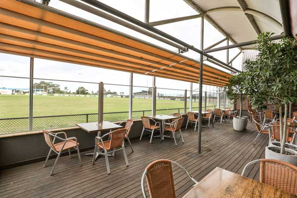 Tooradin-Bistro-Outside-Dining-Area